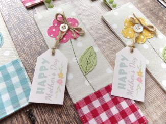 flower bookmark close up